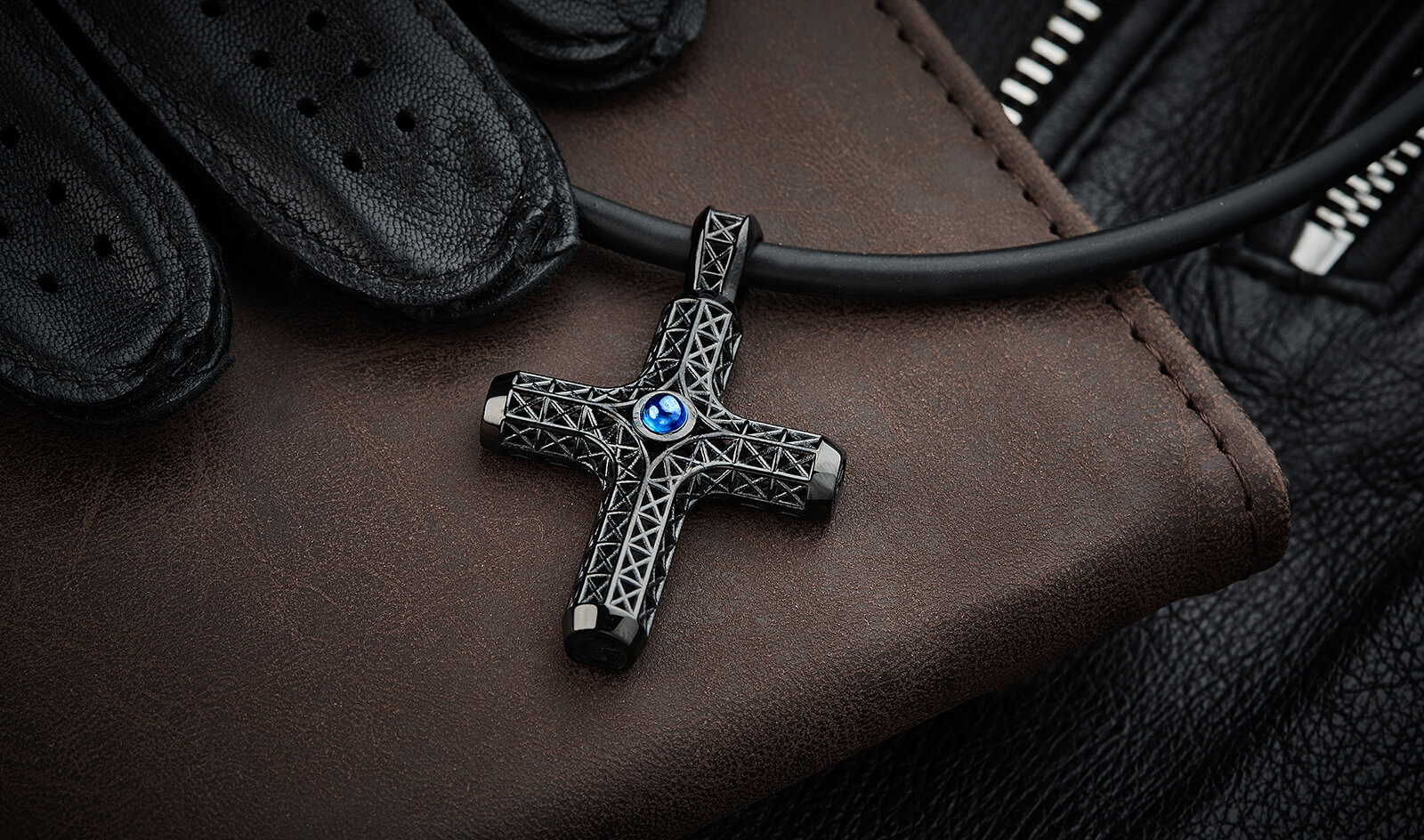 FILIGREE CROSS NECKLACE, ALL BLACK, SAPPHIRE-EDITION
