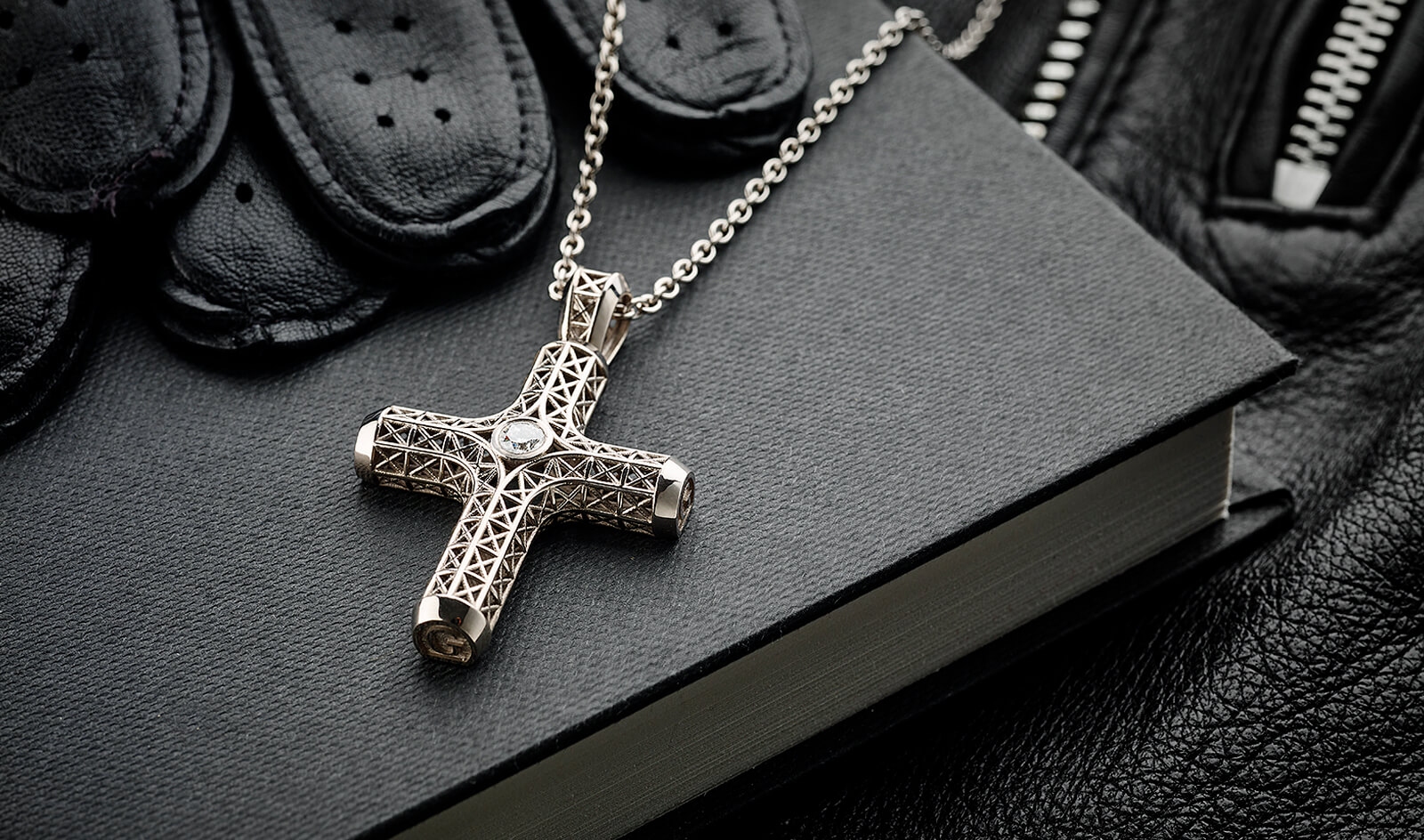 Filigree Cross Necklace, White Gold, 1 diamond